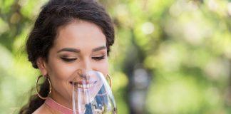 Το κόκκινο κρασί προλαμβάνει τη φθορά των δοντιών και των ούλων!