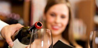 Κόκκινο κρασί με ... καφέ στα ράφια των καταστημάτων αυτή την Άνοιξη!