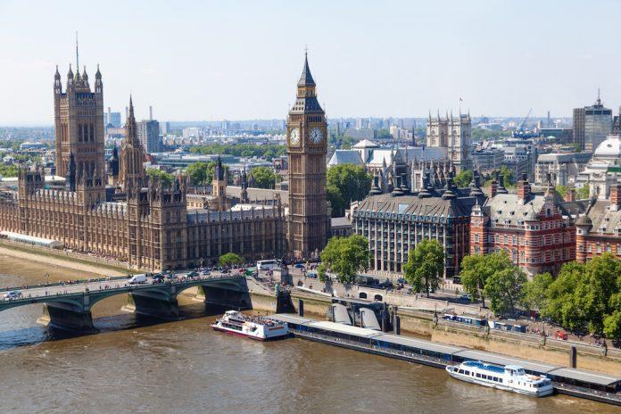 Το Λονδίνο δεν είναι η πόλη του κρασιού αλλά μπορείς να βρεις κρασί από όλες τις πόλεις!