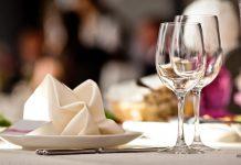Οινοζευγαρώματα: Ποια κρασιά ταιριάζουν με το τηγανητό σας κοτόπουλο;