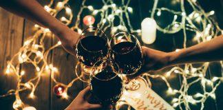 Οι κίνδυνοι των Χριστουγέννων για τους λάτρεις του κρασιού ... και πώς να τους αποφύγετε!