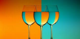 Orange wine και Blue wine: Το χρωματικό φάσμα του κρασιού επεκτείνεται