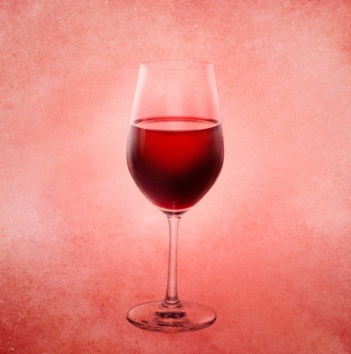 Καλλιτέχνες που χρησιμοποιούν το κρασί στην τέχνη τους