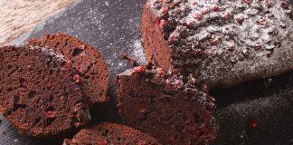 Σοκολατένια brownies με γλυκό κρασί και cranberries
